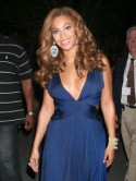 Beyonc� Knowles dazzles in midnight blue