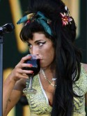 SEE VIDEO Amy Winehouse attacks member of public�again