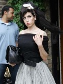 Amy Winehouse to enter rehab�again