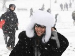 Lily Allen | Lily Allen enjoys the snow