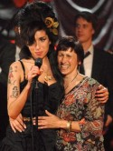 Amy Winehouse's mum: She doesn't want to go back to the drugs