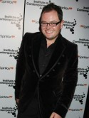 OMG! Alan Carr: I weed on my own face