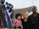 Heidi Klum | Heidi Klum visits the dinosaurs | Pictures | Now magazine | celebrity gossip