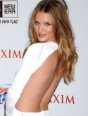 Rosie Huntington-Whiteley goes nude!