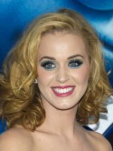 Katy Perry's Smurfette eyes