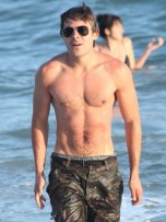 Zac Efron | LA | Pictures | Photos | New