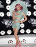 Katy Perry goes geisha at the MTV Video Music Awards
