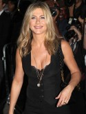 Jennifer Aniston keen to get wrinkly for Justin Theroux