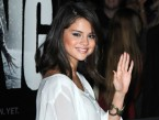 Justin Bieber's girlfriend Selena Gomez wows in sequined hot pants at LA movie premiere