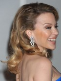 PICTURES Beautiful blue! Kylie Minogue stuns in strapless gown at Brits 2012