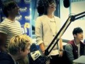 VIDEO One Direction perform acoustic version of new single What Makes You Beautiful