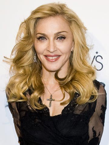 Madonna: Stop smoking or I'll cancel my show - now