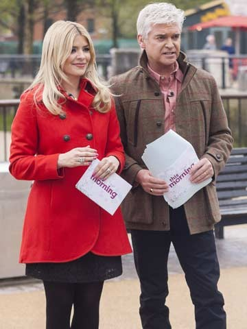 celebrity news holly willoughby phillip schofield husband insram