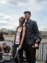 Bo Bruce and Danny O&#039;Donoghue | Busking outside the Tate Modern | Photos | Pictures | New | Celebrity News