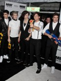 Nick Grimshaw congratulates his 'G' Harry Styles after One Direction score amazing triple win at MTV VMAs