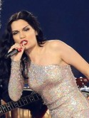 Jessie J wears matchy matchy red lips and nails for Olympic Closing Ceremony