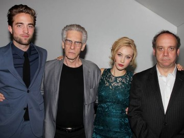 Robert Pattinson Latest News Today on New Pictures Robert Pattinson Puts Kristen Stewart Split Behind Him To