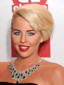 Lydia Bright dyes her hair dark and shares shock new look on Twitter