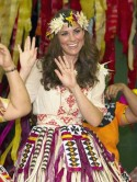 Say aloha to Kate Middleton's hula hair