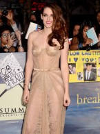 Kristen Stewart joins Robert Pattinson at The Twilight Saga: Breaking Dawn - Part 2 LA premiere in sexy nude dress