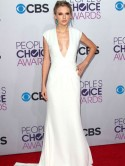 Taylor Swift is sexy in white dress at People's Choice Awards after Harry Styles split