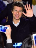 Uh-oh! Tom Cruise offers to help Lindsay Lohan
