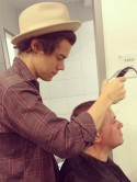 OMG! One Direction cutie Harry Styles shaves head